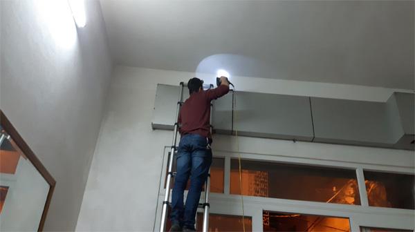 Làm thế nào để vận hành cửa cuốn khi mất điện